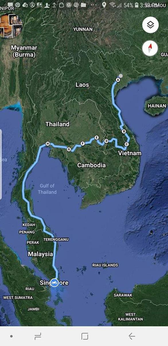 Người Việt đầu tiên chạy 4.500km từ Hà Nội đến Singapore - Ảnh 2.