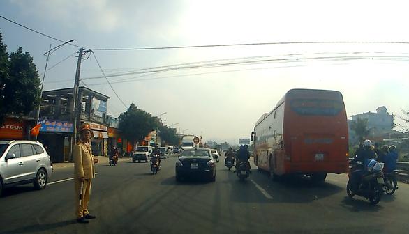 29 Tết, tai nạn giao thông khiến  17 người chết, 37 người bị thương - Ảnh 1.