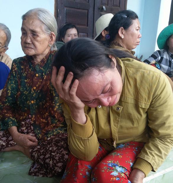 Nhân viên bán xăng bị cướp sát hại: Tang tóc ngày 30 Tết - Ảnh 2.