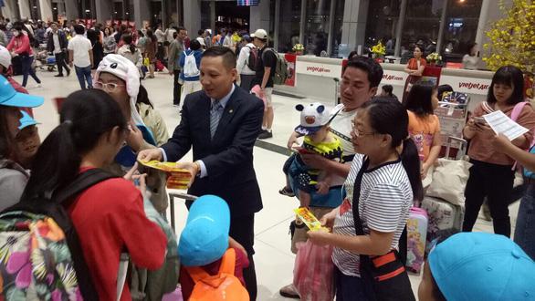 Người Việt thích du xuân ở nước ngoài - Ảnh 1.