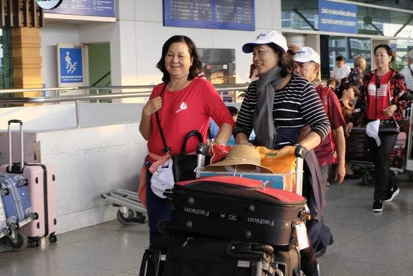 Người Việt thích du xuân ở nước ngoài - Ảnh 2.