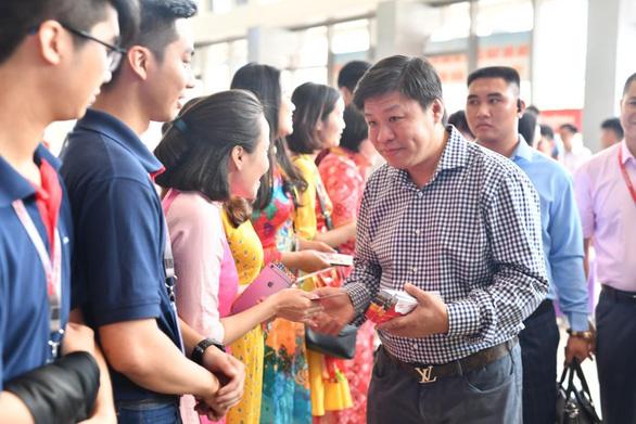 Lãnh đạo Vietjet vui xuân cùng hành khách ngày Mùng 1 Tết - Ảnh 5.
