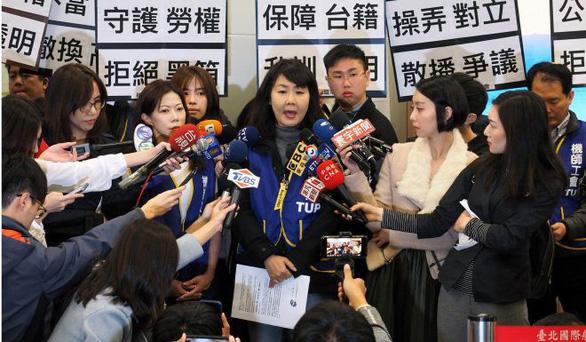 700 phi công đình công, 4.000 khách ở Đài Loan chịu trận - Ảnh 2.