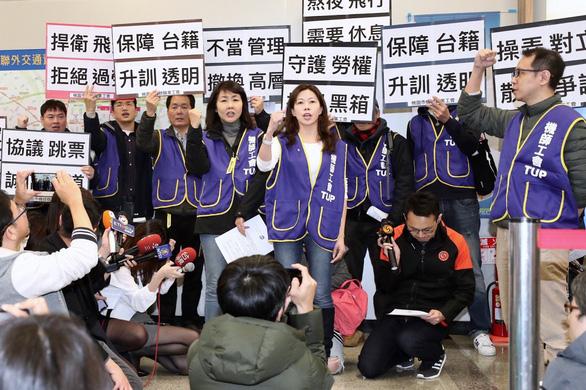 700 phi công đình công, 4.000 khách ở Đài Loan chịu trận - Ảnh 4.