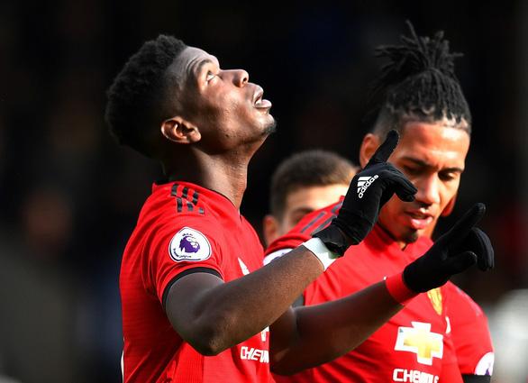 Bất bại trận thứ 9 liên tiếp, M.U tạm đẩy Chelsea khỏi top 4 - Ảnh 1.