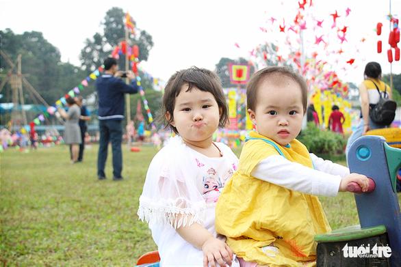 Lạ mắt với vườn chong chóng rực rỡ ở Hoàng Thành Thăng Long - Ảnh 11.