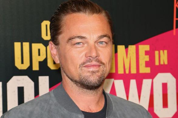 Ông Putin, Leonardo DiCaprio giải cứu gần 100 cá voi bị ngược đãi - Ảnh 1.
