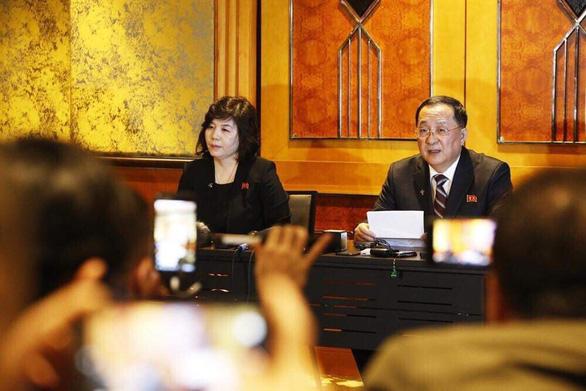 Ngoại trưởng Ri Yong Ho: Triều Tiên muốn dỡ bỏ cấm vận một phần - Ảnh 1.