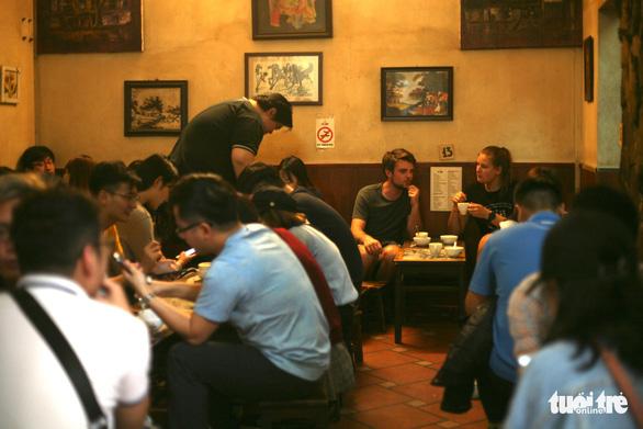 Cà phê Giảng sau thượng đỉnh Mỹ - Triều: 99,9% khách gọi cà phê trứng - Ảnh 2.
