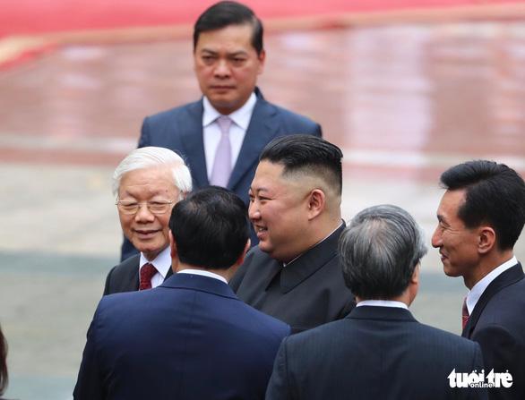 Người phiên dịch cho Chủ tịch Triều Tiên là ai? - Ảnh 1.