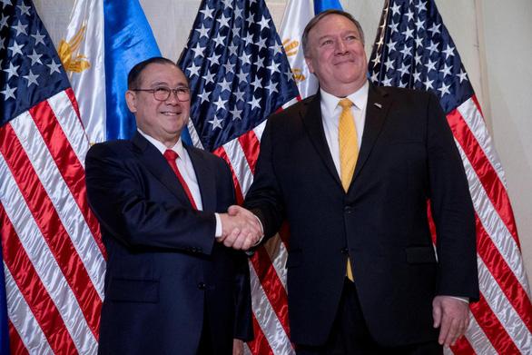Mỹ lần đầu cam kết bảo vệ Philippines nếu bị tấn công ở Biển Đông - Ảnh 1.