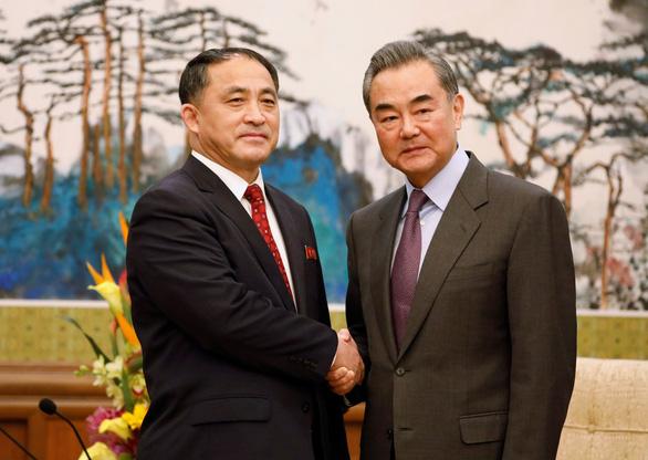 Trung Quốc nói gì sau thượng đỉnh lần 2 giữa Mỹ và Triều Tiên?