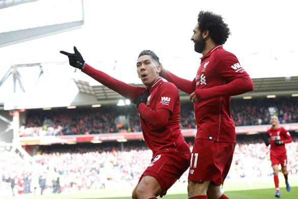 Thắng ngược Burnley, Liverpool bám sát M.C trên ngôi đầu - Ảnh 2.