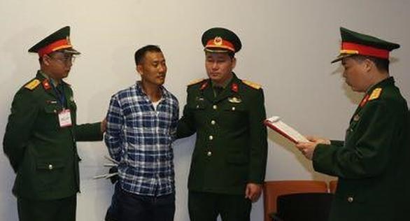 Liên quan vụ sản xuất xăng giả, một nhân viên quốc phòng tại Lũng Lô lãnh thêm 21 năm tù - Ảnh 1.