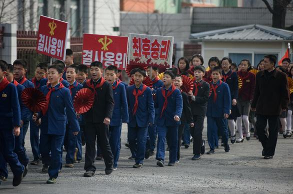 Dân Triều Tiên nô nức đi bầu cử Quốc hội - Ảnh 5.