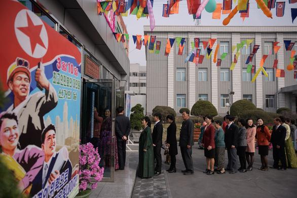 Dân Triều Tiên nô nức đi bầu cử Quốc hội - Ảnh 6.