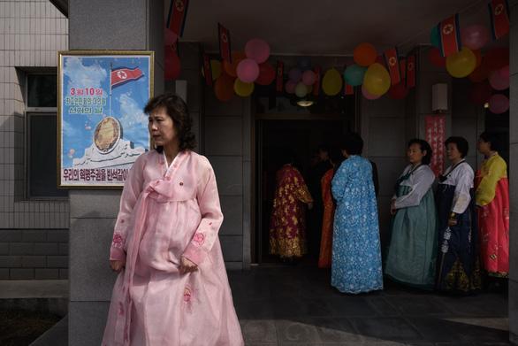 Dân Triều Tiên nô nức đi bầu cử Quốc hội - Ảnh 10.