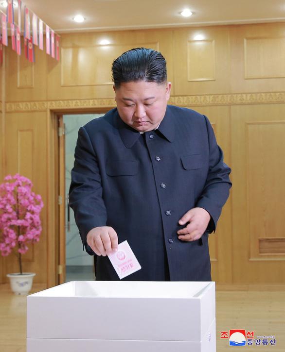 Dân Triều Tiên nô nức đi bầu cử Quốc hội - Ảnh 2.