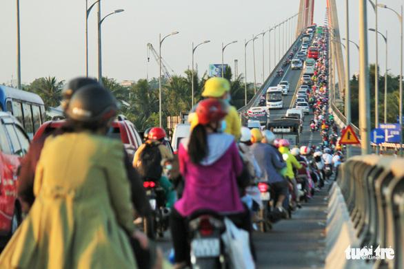 Lại đề xuất dùng vốn ngân sách xây cầu Rạch Miễu 2 - Ảnh 2.