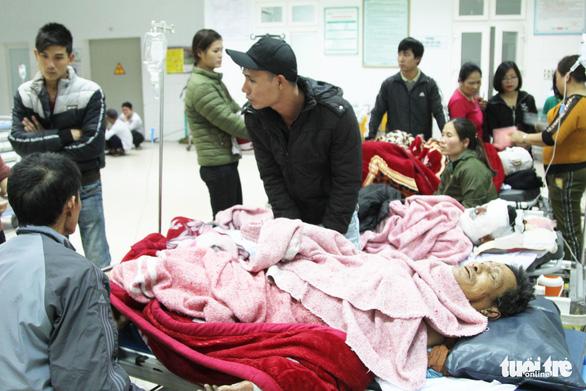 Phỏng nặng, 2 nạn nhân vụ nổ bình gas phải ra Hà Nội điều trị - Ảnh 1.