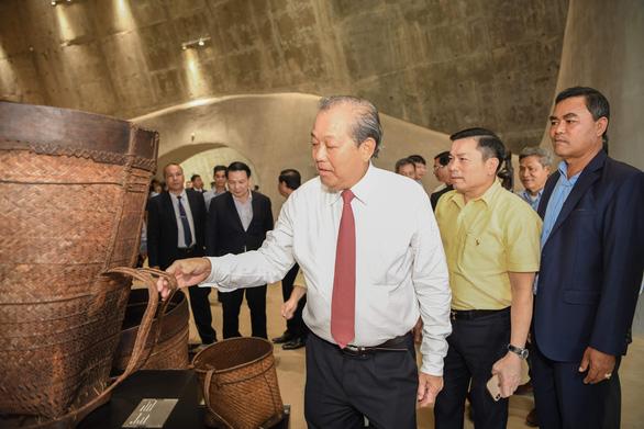Phó thủ tướng Trương Hòa Bình đến bảo tàng thế giới cà phê - Ảnh 2.