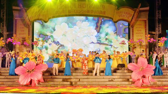 Khai mạc Lễ hội hoa Anh đào và Mai vàng Yên Tử - Ảnh 1.