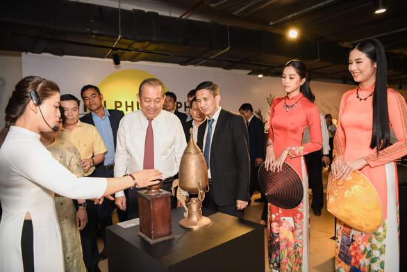 Phó thủ tướng Trương Hòa Bình đến bảo tàng thế giới cà phê - Ảnh 3.