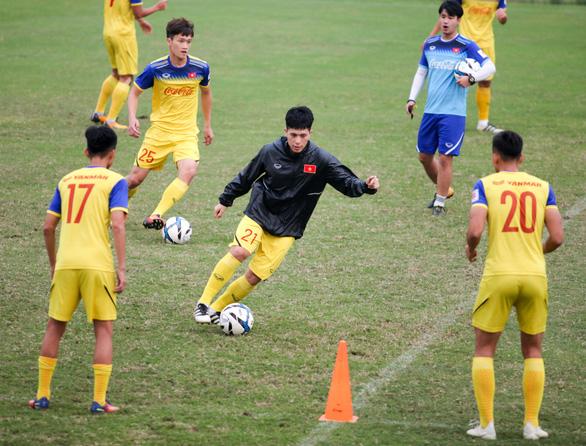U-23 Việt Nam vắng HLV Park Hang Seo buổi tập chiều 11-3 - Ảnh 1.