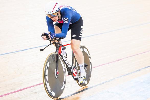 Chấn động thông tin nữ tay đua 3 lần vô địch thế giới tự tử ở tuổi 23 - Ảnh 2.