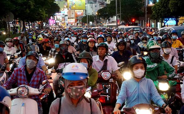 Xe công cộng phải cạnh tranh hơn xe cá nhân - Ảnh 1.