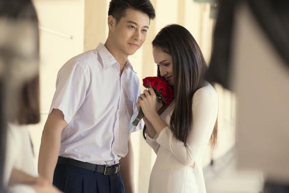 Vừa hết nhiệm kỳ hoa hậu, Hương Giang quay lại với âm nhạc - Ảnh 1.