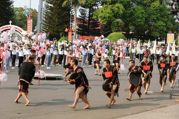 Ấn tượng đặc biệt lễ hội đường phố tại Buôn Ma Thuột - Ảnh 2.