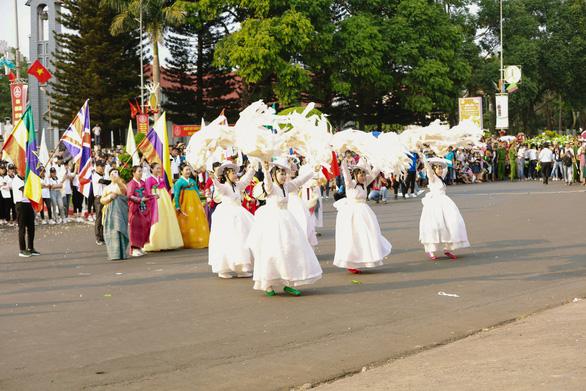 Ấn tượng đặc biệt lễ hội đường phố tại Buôn Ma Thuột - Ảnh 3.