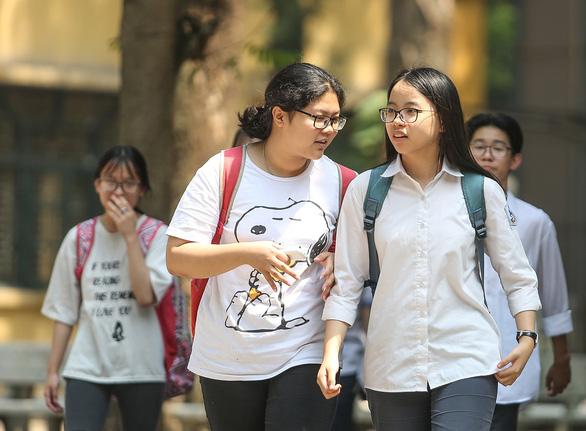 Tuyển sinh vào lớp 10 ở Hà Nội: chỉ thi 3 môn, bỏ môn thứ 4 - Ảnh 1.