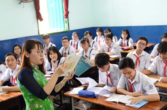 Tuyển sinh lớp 10 tại TP.HCM: Về đâu hơn 30.000 học sinh lớp 9? - Ảnh 1.