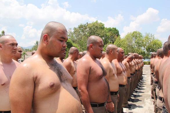 Thái Lan lập trại hủy diệt mỡ bụng toàn bộ cảnh sát béo phì - Ảnh 2.