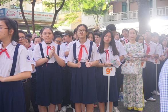 Hơn 80.000 thí sinh TP.HCM thi vào lớp 10 tại 135 điểm thi - Ảnh 1.