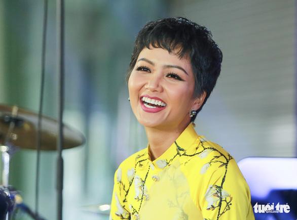 Công bố 10 gương mặt trẻ Việt Nam tiêu biểu - Ảnh 1.