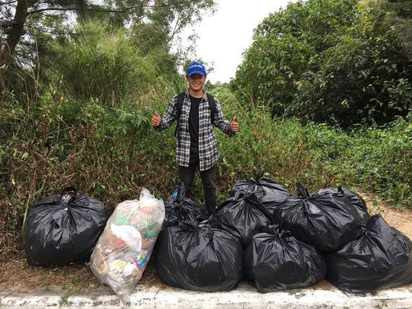 Bạn trẻ Việt đua trào lưu dọn rác khoe phây - Ảnh 4.