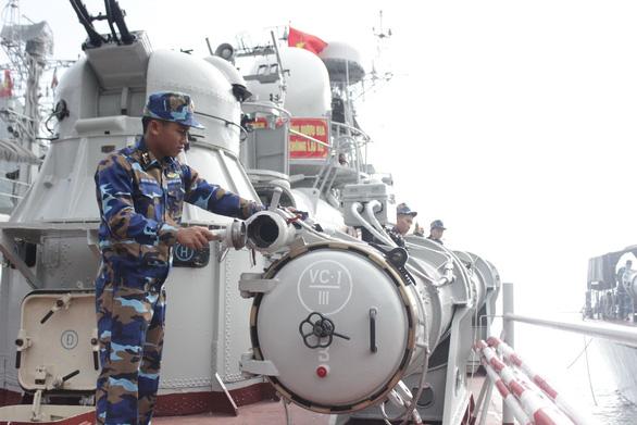 Sĩ quan tàu phóng lôi - Ảnh 1.