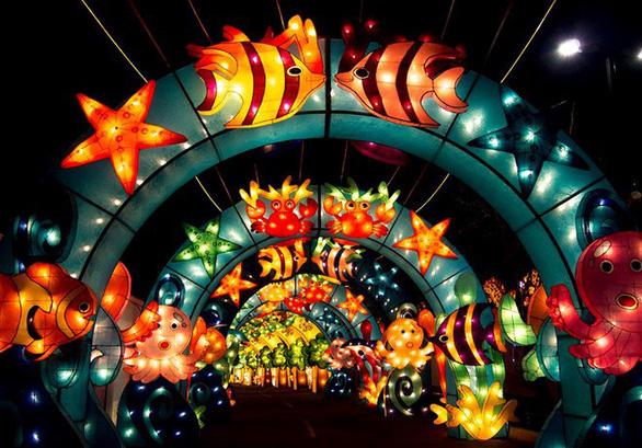 Lễ hội ánh sáng lần đầu đến TP.HCM - Ảnh 1.