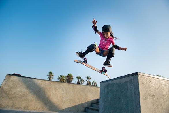 Trượt ván siêu đẳng, cô bé hơn 10 tuổi có cơ hội thi đấu tại Olympic Tokyo 2020 - Ảnh 2.