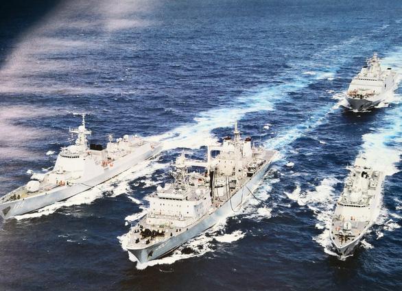 Mỹ đóng thêm tàu sân bay, thu quân về nước đối phó Nga - Trung - Ảnh 3.