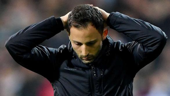 Schalke trảm HLV Tedesco sau thảm bại 2-10 trước Man xanh - Ảnh 1.