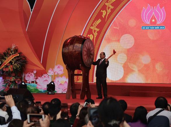 Thủ tướng Nguyễn Xuân Phúc chúc người làm báo bản lĩnh, sáng tạo - Ảnh 2.