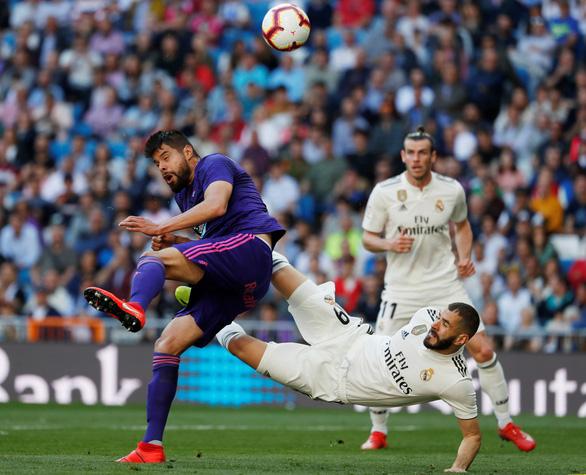 Xà ngang + VAR không cản nổi HLV Zidane - Ảnh 3.