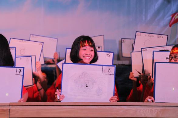 Những tấm bảng gửi gắm tình yêu biển đảo - Ảnh 3.
