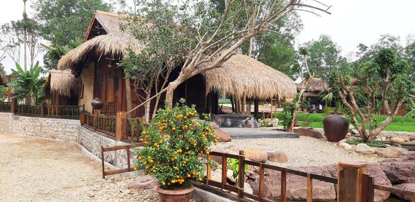 Kiểm điểm bí thư đoàn xã xây khu nghỉ dưỡng chui ở rừng phòng hộ - Ảnh 1.