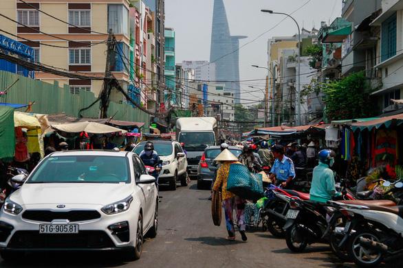 350 tiểu thương chợ Cô Giang mong có nơi mới để mưu sinh - Ảnh 3.