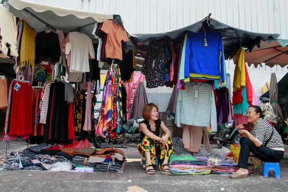 350 tiểu thương chợ Cô Giang mong có nơi mới để mưu sinh - Ảnh 4.